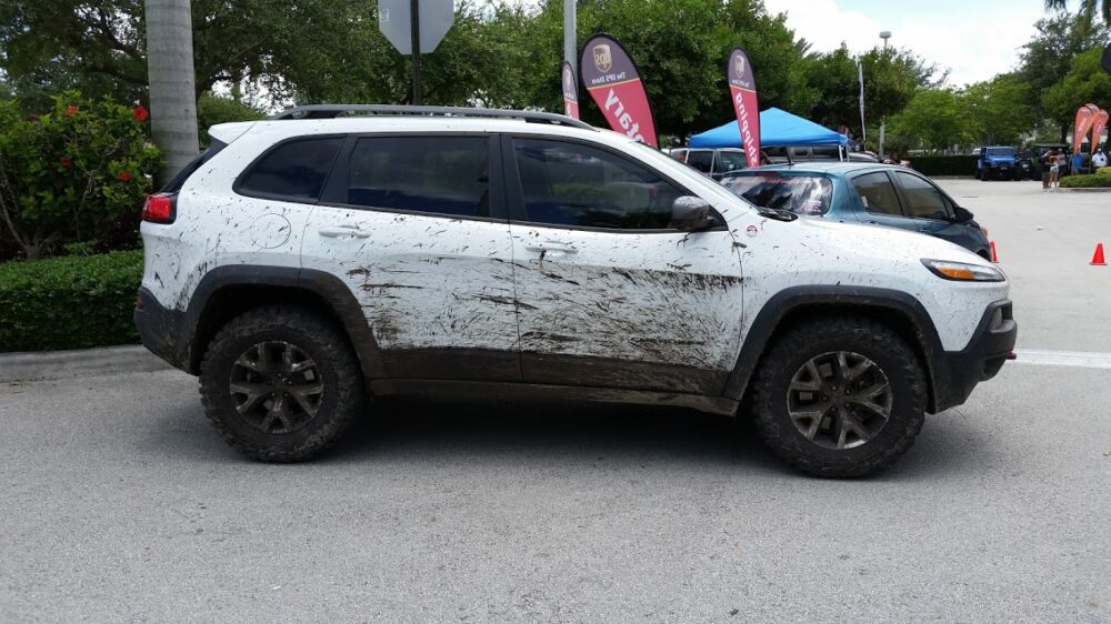 dobinsons cherokee trailhawk lift kit or 2014 to 2020 inc sport latitude dobinsons cherokee trailhawk lift kit for 4x4 jeep kl 2014 to 2020 inc sport latitude